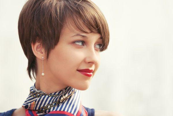 Add these tips about how to style short straight hair to your hair care routine!