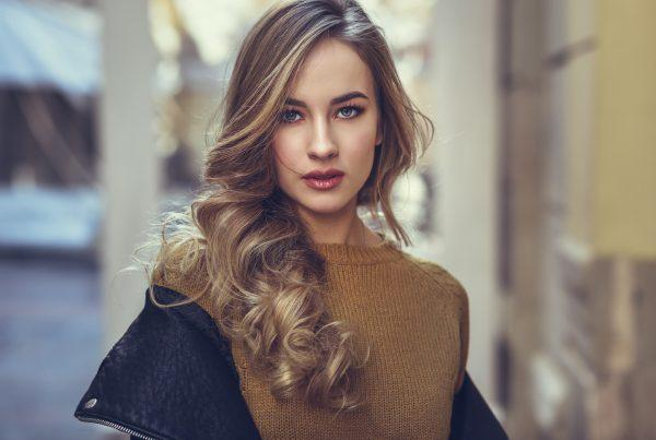 Enjoy an easy autumn with more relaxed root touch-ups — try one of these low-maintenance styles!